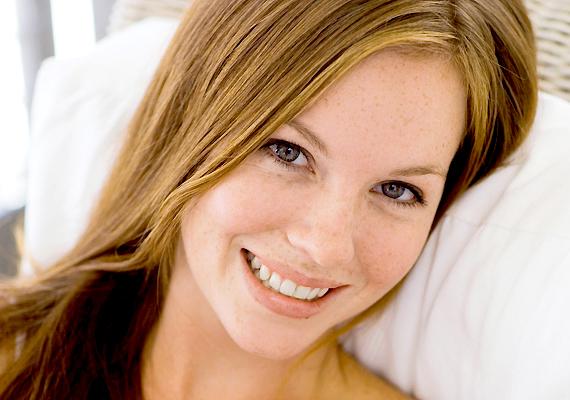 Amikor jól érzed magad a bőrödben, az a külsődön is látszik. Egy mosolygós arc sokkal szimpatikusabb, mint egy komor ábrázat.