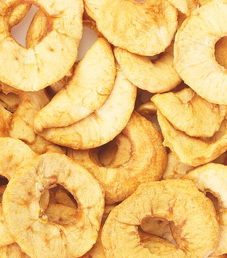 Egészséges nassolnivalók                         Az egyik legnagyobb kihívást a fogyókúrázók számára egyértelműen a finomságokról való lemondás jelenti. Nem kell azonban felhagynod a csipegetéssel, léteznek ugyanis egészséges nassok. A szárított gyümölcsszirmok például élenjárnak ezek között.