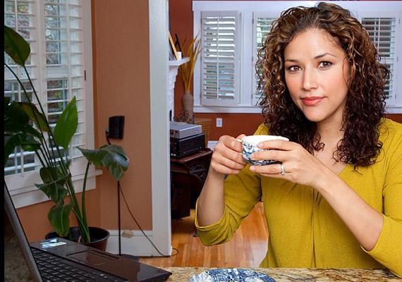 Egy csésze zöld tea a nap bármely szakaszában átmelegít, élénkebbé tesz, és az anyagcserédre is jó hatást gyakorol.
