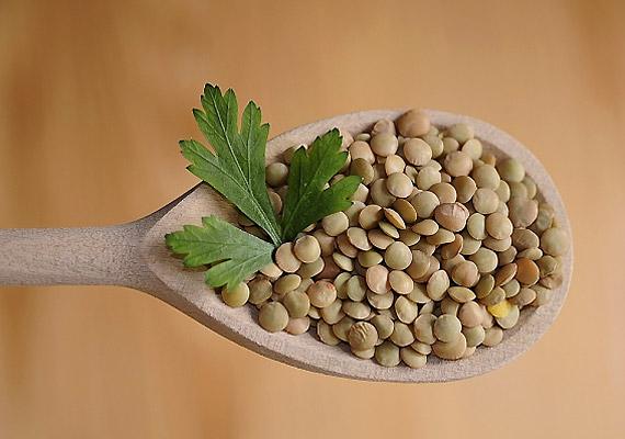 Amellett, hogy a lencse rosttartalma meggátolja a magas koleszterinszintet kialakító anyagok felszívódását, stabilan tartja a vércukorszintet is. 100 g lencse pedig csaknem 400 mg foszfort tartalmaz.