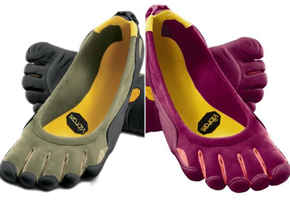 Hazánkban is egyre népszerűbb a Vibram ötujjas mezítlábas futócipő. Előnye, hogy megadja lábadnak az aktív mozgás szabadságát, ám fontos, hogy fokozatosan szoktasd lábad a cipőhöz. A férfi és a női változat ára egységesen 20 990 forint a Mountexben.