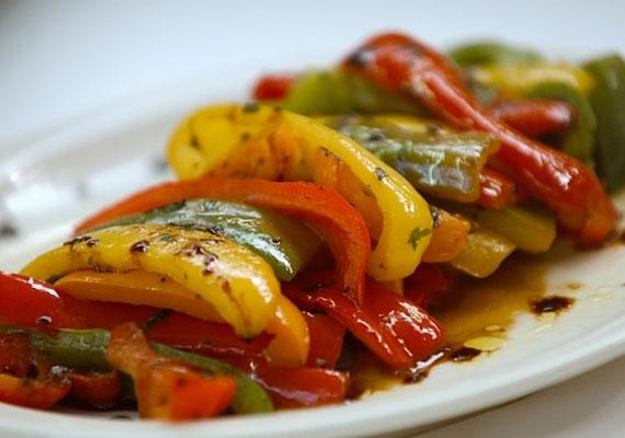 Grillezett zöldségek                         A mediterrán konyha népszerűvé válásával szerencsére nemcsak az olaszos tészták és a pizza tört be hazánkba, hanem a grillezett zöldségek is, amely egyszerű és remek gluténmentes köret.
