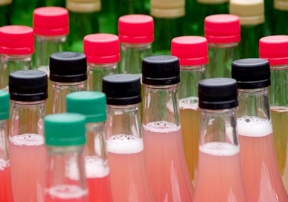 A cukormentes italok, desszertek, édes-savanyú gyümölcs- és zöldségkonzervek édesítésére használt aszpartám - E951 - nem csupán túlsúly kialakulásához vezethet, de rendszeres fogyasztása a diabétesz esélyét is növeli.