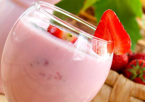 Bár a tejalapú gyümölcsturmixok alapvetően egészségesek, nem kifejezetten kalóriaszegények. Ha fogyni szeretnél, csak a reggeli órákban fogyassz ilyet!