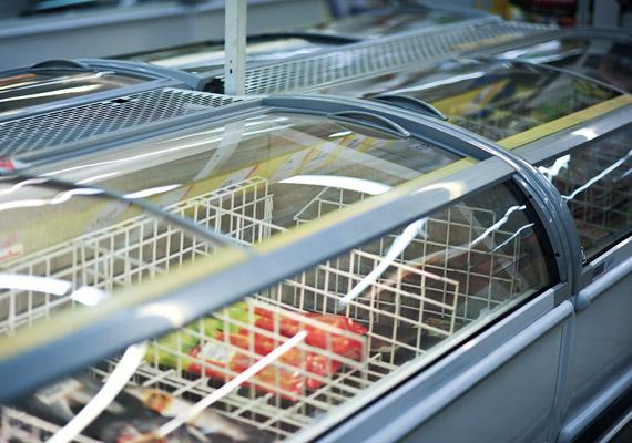 Annak érdekében, hogy a friss élelmiszerek minőségét fagyasztással őrizzék meg, a gyártók sokszor nátriumot adnak a táplálékokhoz. A kelleténél több nátrium azonban vízvisszatartáshoz vezet, így felelőssé tehető a hasi hízásért. Tudj meg többet erről a folyamatról!