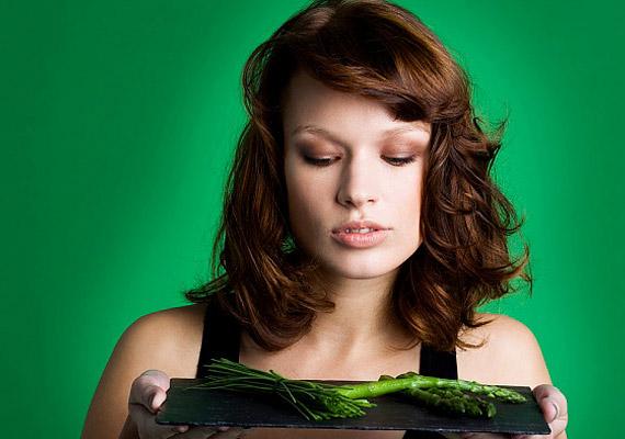 A spárga nemcsak remek vízhajtó, de magas rosttartalmának köszönhetően erős béltisztító étel is.