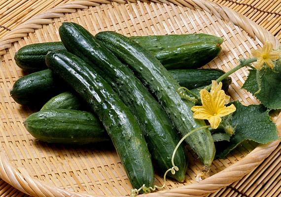 Az uborkában alig van kalória, így, ha megéhezel, bármikor elrágcsálhatsz egyet.