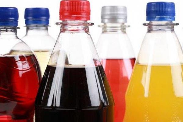 Kóla vagy sör: melyik italnak magasabb a kalóriatartalma?