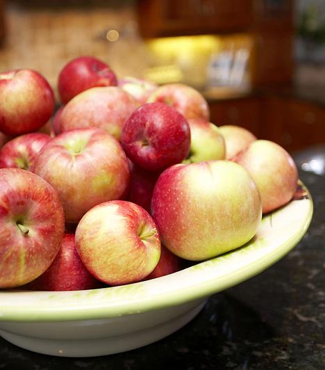 Almás-fűszeres turmixfél bögre szójatejfél bögre zsírszegény joghurtcsipet mézeskalács-fűszerkeverék1 közepes almaA feldarabolt almát a többi hozzávalóval együtt turmixold egy percen át. Ha kész, öntsd hosszúkás pohárba, és kanalazd ki.