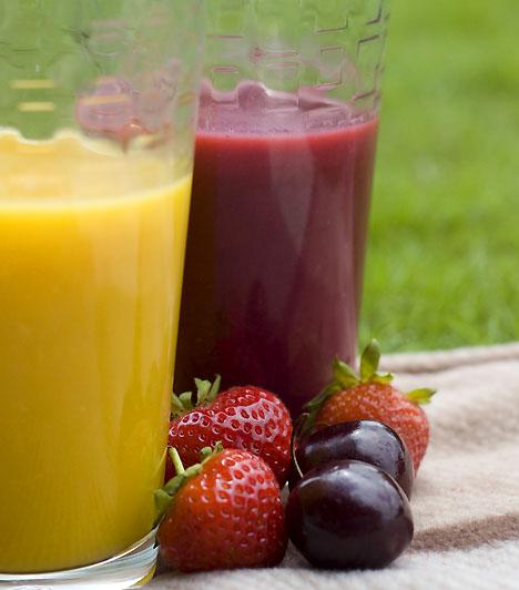 Erdei gyümölcs mixmásfél bögre erdei gyümölcs1 bögre narancslé1 doboz zsírszegény joghurt1-2 csepp mézTedd a hozzávalókat turmixgépbe. Turmixold körülbelül egy percig, míg teljesen sima nem lesz az állaga. A tetejére szórj reszelt narancshéjat.