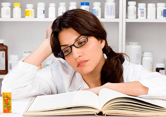 Az ösztrogéntartalmú tabletták, így például a fogamzásgátlók, illetve a változókor tüneteinek enyhítésére szolgáló készítmények is okolhatók a túlsúlyért. Bár a ma forgalomban lévő gyógyszerek már jóval kisebb veszélyt jelentenek.