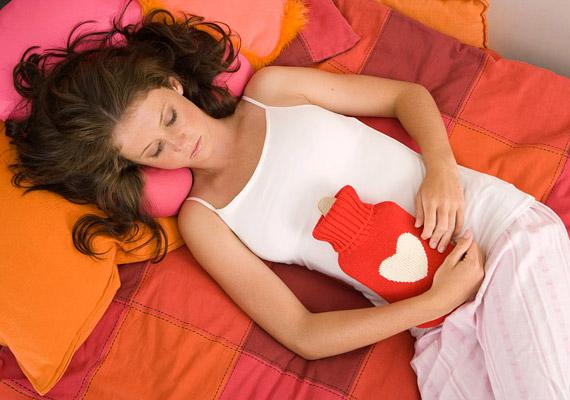 Bizonyos női betegségek is gyakran járnak együtt fölös kilókkal. Ha a hasi hízás mellett a bőröd pattanásos, és szőrösödést is tapasztalsz, érdemes utánajárnod, hogy a háttérben nem policisztás ovárium szindróma áll-e.