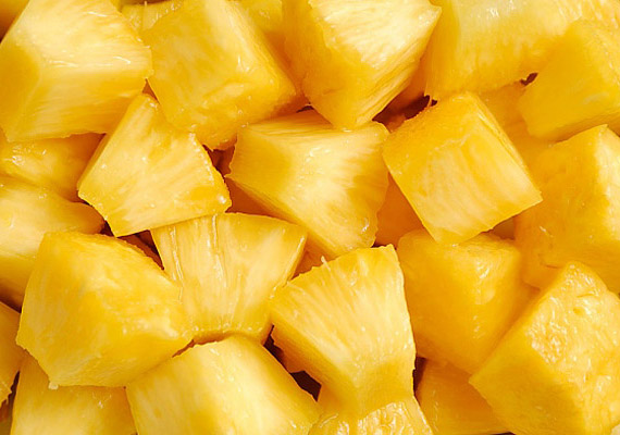 Az ananászban található bromelin segít a fehérjék megemésztésében, vagyis felgyorsítja az anyagcserédet.