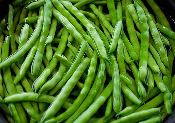 A zöldbab rosttartalma nagyon magas, ennek segítségével könnyedén megszabadítja szervezetedet a méreganyagoktól, amik a hízásért felelősek.