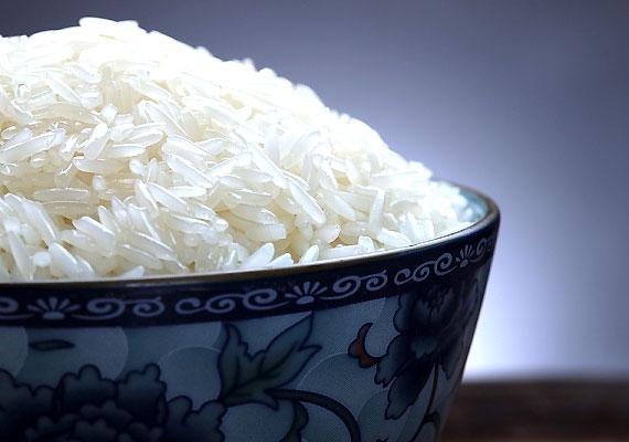 Habár a rizs alapvetően egészséges táplálék, összetett szénhidráttartalma miatt savasítja a szervezetedet, ezért csak keveset egyél a diéta alatt.