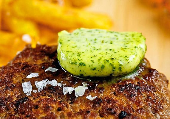 Nem árt vigyázni a pulykás vagy csirkés hamburgerhúsokkal, ugyanis általában nem sovány mellhús hozzáadásával készülnek, másrészt különböző ízesítőket, ízfokozókat, adalékanyagokat tartalmaznak.