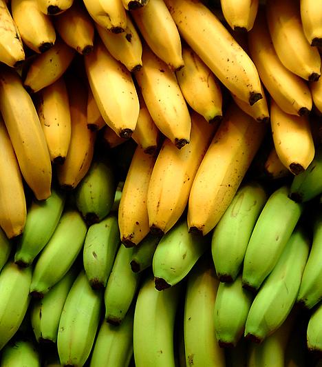 BanánBár több kalóriát tartalmaz, mint a többi gyümölcs, a banánnak nagy hasznát veheted a diéta során. Amellett, hogy nagy mennyiségű anyagcsere-javító B-vitamin és kalcium található benne, vízhajtó káliumban is gazdag.