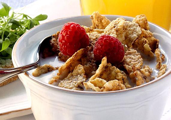 Bár a müzliről, a zabpehelyről és a kukoricapehelyről azt gondolhatod, hogy tökéletes diétás ételek, nem árt tudnod, hogy a pelyhesítéssel készült táplálékok glikémiás indexe kivétel nélkül magas.