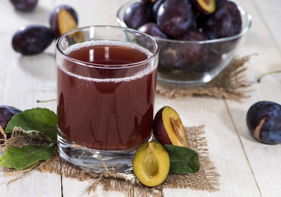 A szilva az ősz egyik legerősebb salaktalanító hatású gyümölcse. Nemcsak magas rosttartalmának köszönheti anyagcsere-serkentő hatását, hanem a benne lévő szorbitolnak is. Tudj meg többet a szilva fogyasztó hatásáról!