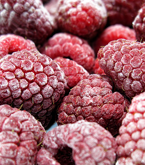 MálnaA vitaminokban és bioflavonoidokban gazdag gyümölcs amellett, hogy növeli ellenálló-képességed, finom ízével csökkenti az édességek utáni sóvárgást, gyümölcssavai révén pedig emésztésserkentő, tisztító és fogyasztó hatással bír.