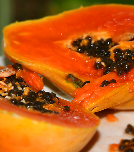 PapayaA papaya előnye, hogy rendkívül könnyen emészthető, és igen kevés szénhidrátot tartalmaz, így járulva hozzá ahhoz, hogy megemésztése során a szervezeted még több energiát égessen el, mint amennyit a gyümölcsből nyer.