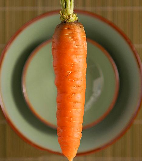 SárgarépaA sárgarépa fontos vitaminjai és karotintartalma révén az egyik legegészségesebb zöldségféle. Alacsony kalóriatartalma és magas rosttartalma miatt diétád hatékony eleme lehet.