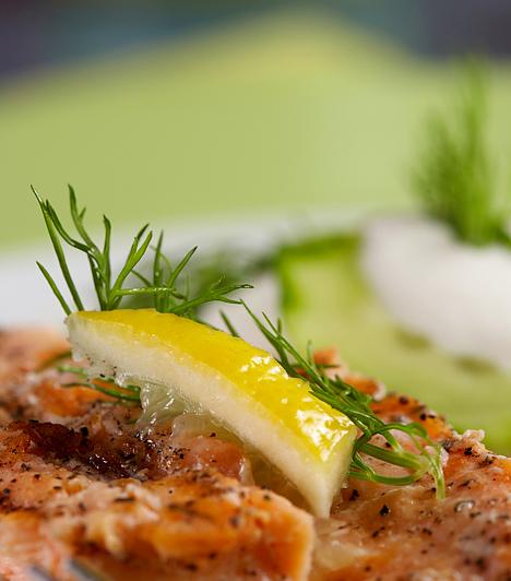 Anyagcsere-diéta  A fogyást a lassú anyagcsere is megnehezítheti, ami azonban nem végleges állapot. Az anyagcsere-pörgető diéták során kis adagokban, viszont gyakran kell étkezned, a táplálékok közül pedig a gyümölcsöket, a zöldségeket, a teljes kiőrlésű gabonákat és a sovány fehérjéket kell előnyben részesítened. A megfelelő folyadékfogyasztás is elengedhetetlen.