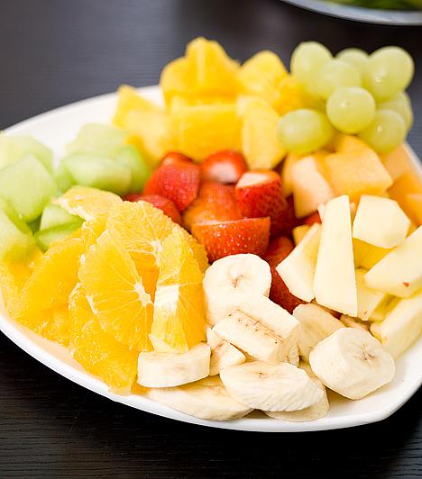 Beverly Hills-diéta  Az amerikai sztárok közkedvelt diétája a fehérje és a szénhidrátok elkülönített fogyasztását írja elő, emellett sok zöldséget és gyümölcsöt kell fogyasztanod, ugyanakkor kevés zsírt. A megfelelő folyadékfogyasztás és a mozgás is a kúra szerves része.  Kapcsolódó cikk: Beverly Hills-diéta »