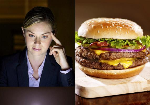 Felejtsd el a mindent vagy semmit elvét! Csak azért, mert sokáig dolgoztál, és nem értél oda a konditerembe, még nem kell úgy érezned, hogy az aznapi egészségadagodnak lőttek. Ha ugyanis így nézed a dolgot, nyilván jöhet a hamburger és a sült krumpli. Inkább menj haza, és tornázz kicsit otthon! Kattints egy remek otthoni edzéstervért!