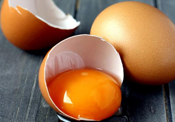 A tojás kiváló fehérjeforrás, amely teljes mértékben felszívódik, könnyen elkészítheted teljesen zsírmentes változatban is, az ára pedig igen csak olcsó, különösen a húséhoz képest.