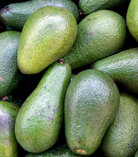 Avokádó  Amellett, hogy magas rosttartalmának köszönhetően az avokádó az egyik leghatékonyabb béltisztító étel, a legerősebb antioxidánsok között tartják számon. Semleges íze miatt szinte bármivel fogyaszthatod, akár sós, akár édes nassolnivalóra vágysz. Az avokádót savbázis-helyreállító diéta mellett is nyugodtan fogyaszthatod, hiszen nagyon erős lúgosító.  Kapcsolódó cikk: Végleges fogyás a forradalmi pH-diétával »