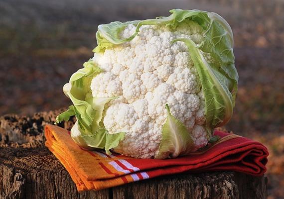 A karfiolnak nagyon magas a C-vitamin-, illetve rosttartalma, ami igen fontos, ha szeretnél a belekben megrekedt salakanyagoktól megszabadulni.