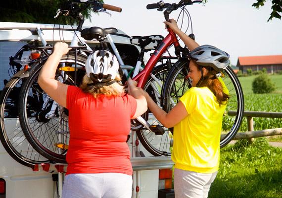 A biciklizés sokkal inkább javasolt túlsúlyosoknak, mint a futás, hiszen kíméli a boka- és térdízületet. 30 perc közepes tempójú kerékpározással 340 kalóriát égethetsz el.
