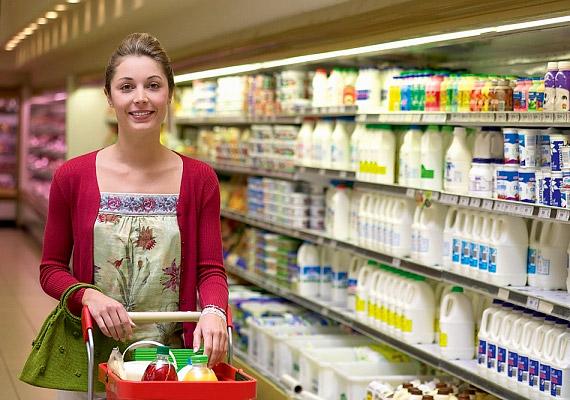 Ugyancsak fontos lépés, hogy felkészült légy az élelmiszercímkék terén. Vásárláskor alaposan böngészd át a termékek hátoldalát, és ne tedd a kosárba a túl magas zsír- vagy cukortartalmú ételeket.