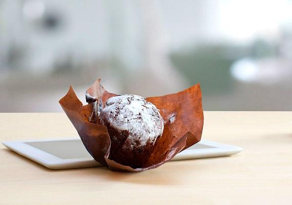 A délutáni munkahelyi fagyi vagy süti segít, hogy gyorsabban teljen az idő, de ha rendszeresen beiktatod két étkezés közé ezeket a plusz kalóriákat, az idővel az alakodon is meglátszik majd.