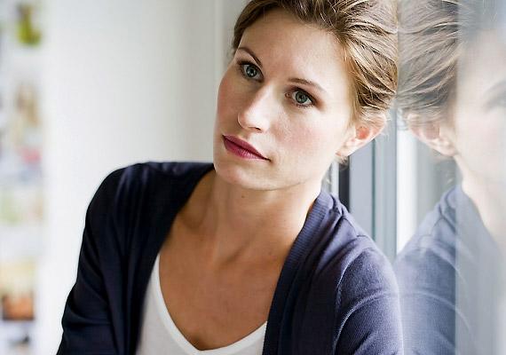 A depresszió hatására a szervezetben olyan hormonális átalakulások mennek végbe, amelyek lelassítják az anyagcserét, így elhízáshoz vezethetnek.