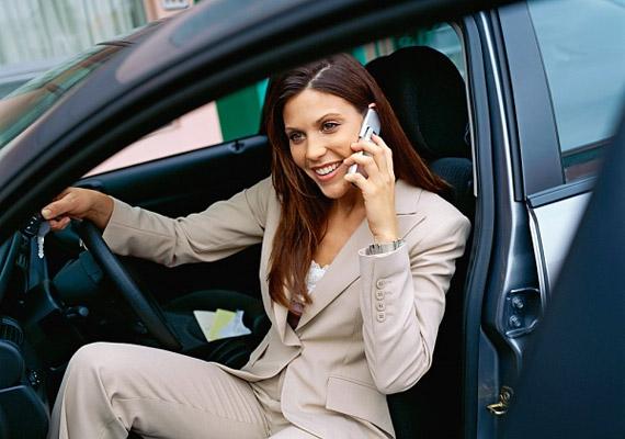 Amennyiben autóval jársz munkába, parkolj kicsit messzebb, mint szoktál, és sétálj pár percet reggel-este.