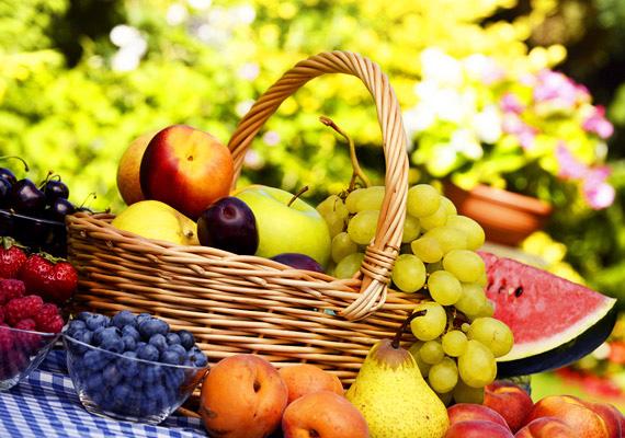 Gyümölcsök                         A gyümölcsök összes fajtáját fogyaszthatod - ha valamely ételedet, turmixodat édesíteni szeretnéd, ahhoz is kizárólag gyümölcsöket használj.