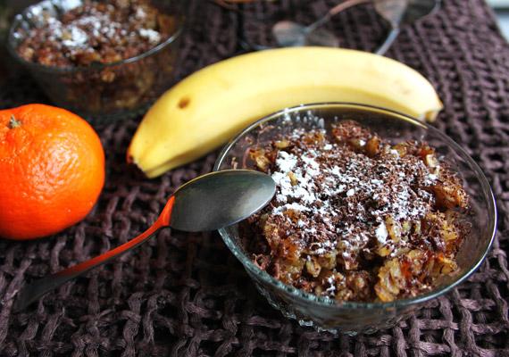 Ha egy kicsit halványnak érzed a kását önmagában, színezheted cukormentes kakaóporral. Korábbi cikkünkből pedig megismerhetsz egy pofonegyszerű, rostban gazdag, nem hizlaló csokis-zabpelyhes keksz receptet!