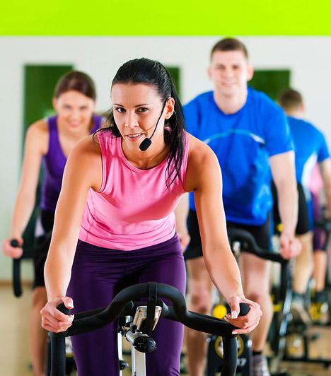 Spinning  A spinning a világ egyik leghatékonyabb kardio-edzésformája. Maga az edzés is rendkívül változatos, a hegymenettől a piramisedzésen át egészen az intervallozásig szinte minden lehetőséget magában foglal. Az edzés végére meglehetősen fáradt leszel, de igen hamar elérheted alakformálással és zsírégetéssel kapcsolatban kitűzött céljaidat is.