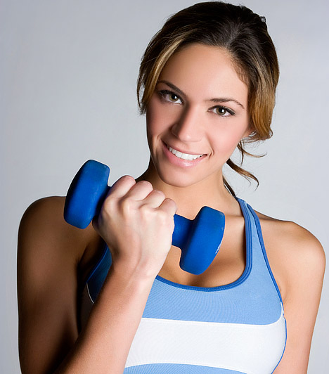 Súlyzós edzés  A súlyzós edzés évek óta előkelő helyen tartja magát a Top 20-as rangsorban. Nem csak testépítésre, erőnövelésre alkalmas, de kiváló zsírégető sport is, sőt újabban még rehabilitációs céllal is ajánlják a könnyebb súlyokat.  Kapcsolódó cikk: A leghatékonyabb zsírégető edzések - Szerintünk »
