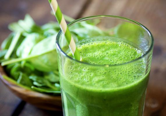 Zöld turmix                         A zöld leveles salátát is tartalmazó turmixokat tekintsd folyékony reggelinek, mely rengeteg hasznos tápanyaggal és anyagcsere-pörgetővel látja el a szervezetedet. Ide kattintva találhatsz is egy finom gyümölcsös-spenótos receptet.