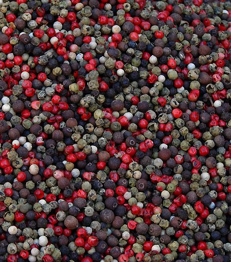 BorsA népszerű fűszer serkenti az anyagcserét és az emésztést, valamint segít a tápanyagok szállításában, és egyes kutatások szerint a szellemi teljesítményt is fokozza. Szinte bármit ízesíthetsz vele, a húsételektől kezdve a leveseken át egészen a salátákig.