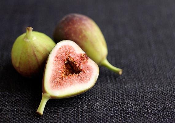 A füge az egyik leghatékonyabb és legízletesebb emésztésserkentő gyümölcs, amely zsírégető vegyületeinek köszönhetően is elősegíti a fogyókúra sikerét. Tudj meg többet róla!