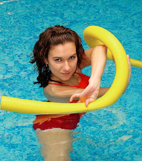 Vízi aerobik  A vízi aerobik egyesíti az aerobik erős zsírégető hatását a vízi sportok ízületeket tehermentesítő tulajdonságával. Ezzel a sporttal a test teljes izomzatát átmozgathatod, javíthatod az erőnlétedet, és látványosan, rövid idő alatt formába hozhatod magad.
