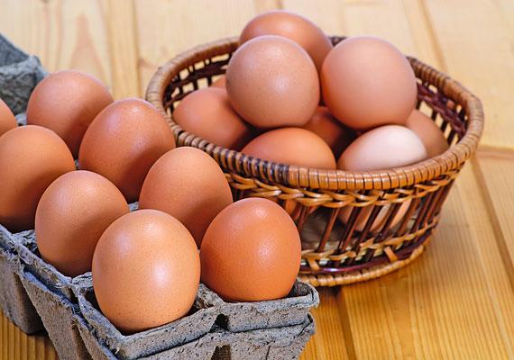 A gyerek kilenc hónapos koráig ne kapjon tojássárgáját, tojásfehérjét pedig csak egyéves kora után fogyasszon - de még ekkor is érdemes mértéket tartanod.