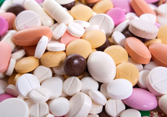 A gyermekorvosok a megmondhatói, hogy mennyi mérgezéses eset fordul elő a kicsik körében. A gyógyszert tárold bombabiztos helyen.