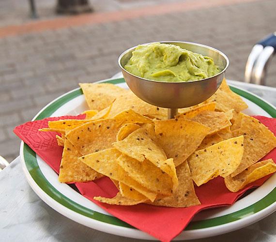 Az ízfokozóként használt nátriumglutamát a kicsi kedélyállapotának romlását okozhatja. Megtalálható a gyerekek körében kedvelt chipsek nagy részében.