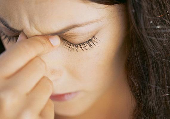 A hazavitt problémák stresszt okozhatnak, ami miatt a kicsi kognitív funkciói sérülhetnek. Próbálj ki stresszoldó technikákat, mint a jóga vagy a meditáció.