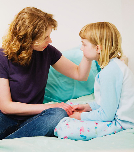 Alvászavar  A kisgyerekkori alvászavarok mögött, - főként ha azok a közösségbe kerülést követően jelentkeznek - , szinte biztos, hogy valamilyen lelki konfliktus áll, amit a szülőktől való elszakadás, illetve a beilleszkedési nehézségek okoznak. Iskoláskorban nemritkán teljesítménykényszer áll a probléma hátterében - a kudarctól való félelem, illetve a várható büntetés miatti szorongás.
